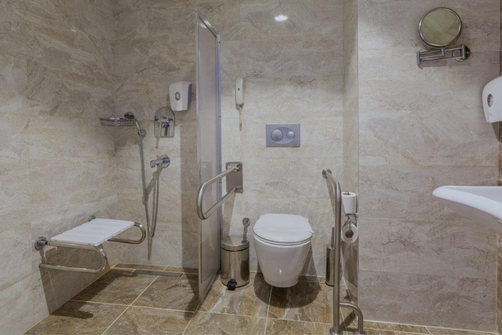 Aménagement salle de bain personne âgée